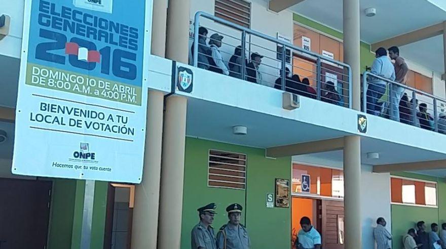 Elecciones 2016 la jornada electoral en el interior del for Interior elecciones