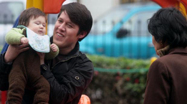 Padres primerizos son los que más usan Facebook, reveló estudio