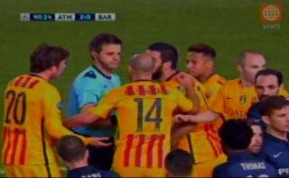 Atlético-Barza: árbitro no sancionó un claro penal para culés