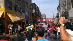 Centro de Lima: bomberos controlaron incendio en Jr. Paruro