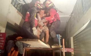 Ecuador: Fueron rescatados tras 32 horas bajo escombros [VIDEO]