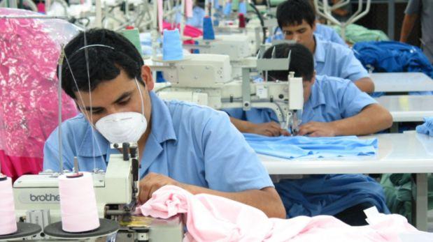 Según indica Adex, en el primer bimestre del año la exportación total de confecciones cayó en 8%, tasa menor al 18% de contracción del sector el mismo periodo del 2015. (Créditos: Andina)