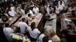 Terremoto: Ecuador empieza a enterrar a sus muertos [FOTOS] - Noticias de muerto en centro comercial