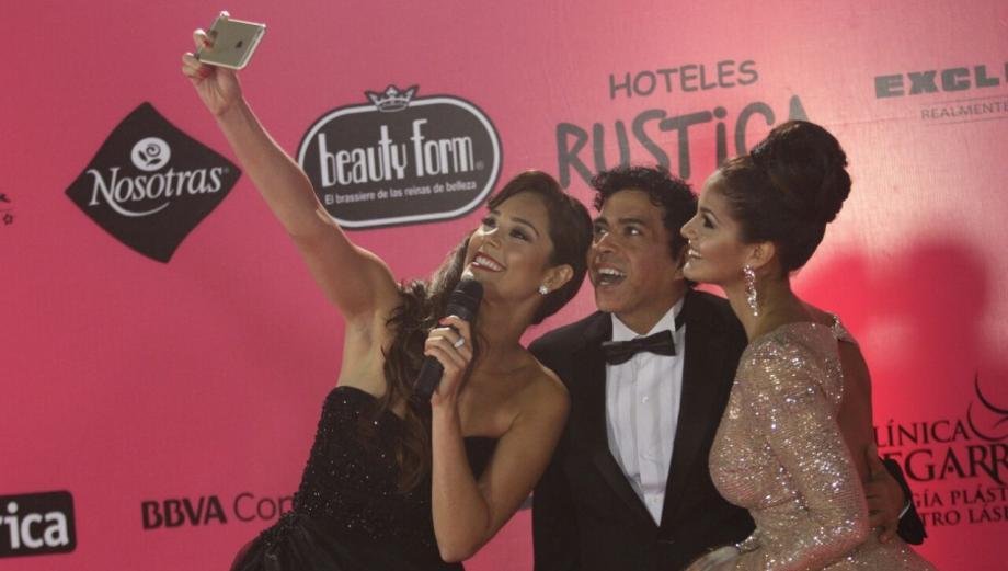 Así fue la alfombra rosa del Miss Perú Universo
