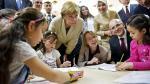 Angela Merkel visita a niños refugiados en Turquía - Noticias de comisión afp