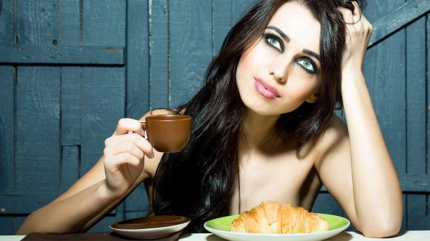 Comer desnudo: la nueva tendencia de los restaurantes nudistas
