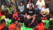 Maradona y una charla con niños que les llegará al corazón