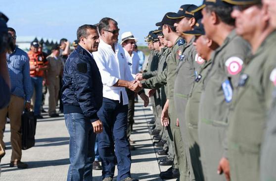 Presidente Ollanta Humala entregó ayuda humanitaria a Ecuador