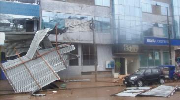 Vientos fuertes y lluvia originan destrozos en Pucallpa