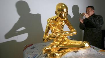 Fu Hou, el monje chino que fue momificado y cubierto en oro