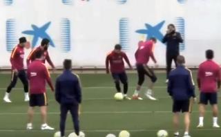 Lionel Messi 'humilló' a Gerard Piqué en Barcelona [VIDEO]