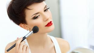 Strobing: Luce radiante con esta técnica de maquillaje