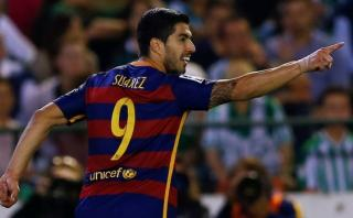 Barcelona venció 2-0 al Betis y sigue siendo líder de la Liga