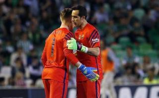 Barcelona: Claudio Bravo lesionado y peligra la portería culé