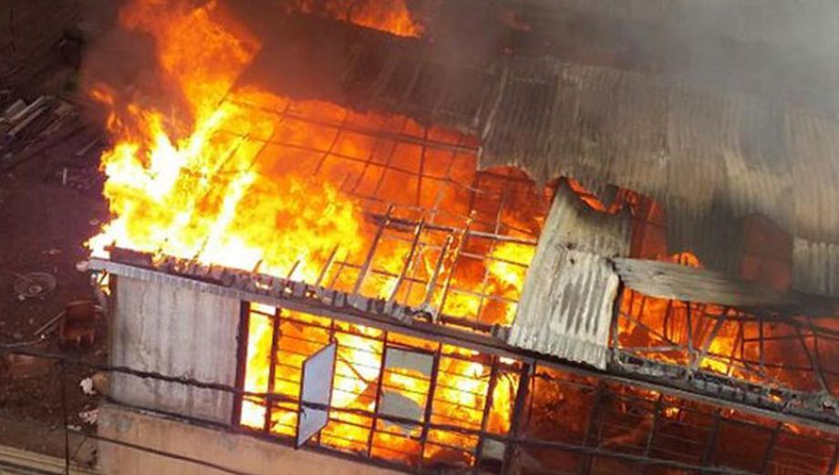 Impactantes imágenes del incendio en el corazón de La Victoria