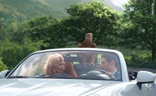 Un águila fue protagonista en spot del Fiat 124 Spider [VIDEO]