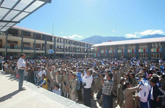 Humala inauguró institución educativa en La Convención [FOTOS]