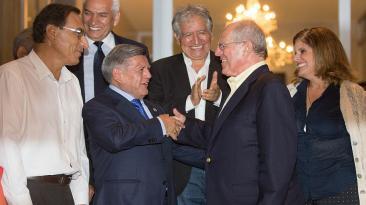 César Acuña y otros políticos que han expresado respaldo a PPK