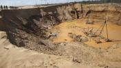 Cuestionan a José Chlimper por el uso de dragas para minería