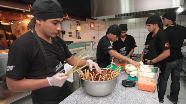 La Anticuchería Bran se ubica en un barrio que busca cambiar su imagen para reforzar el Surquillo gastronómico. (Foto: Difusión/ Plus TV)
