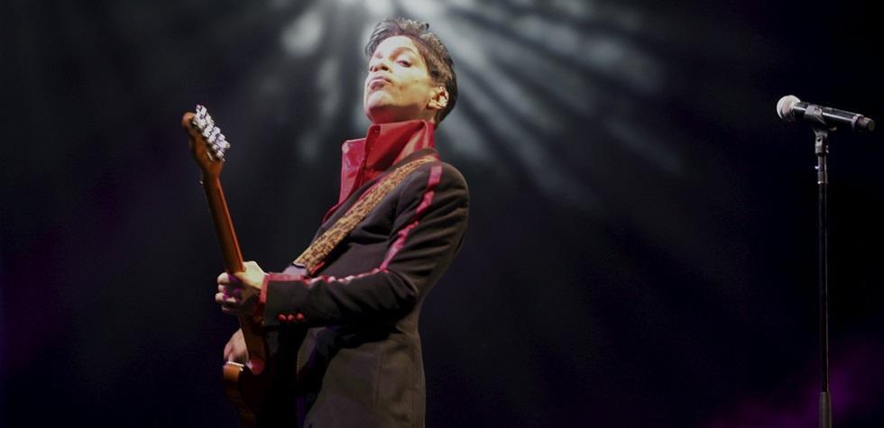 Prince buscaba tratar adicción a calmantes