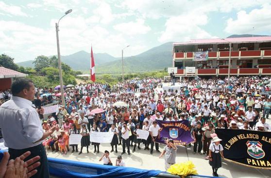 Humala inauguró colegio y pidió a candidatos impulsar becas