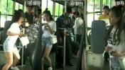 ¿Video real o engaño? Una joven que da paliza a ladrón es viral