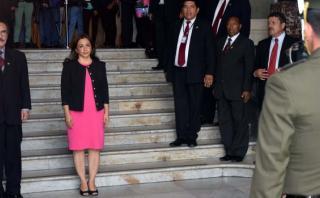 Marisol Espinoza asume despacho presidencial hasta el domingo