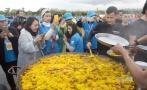 Multimillonario chino paga cena de US$8 millones a empleados