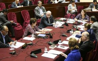 Comisión RR.EE. citará a canciller por viaje de Nadine en 2012