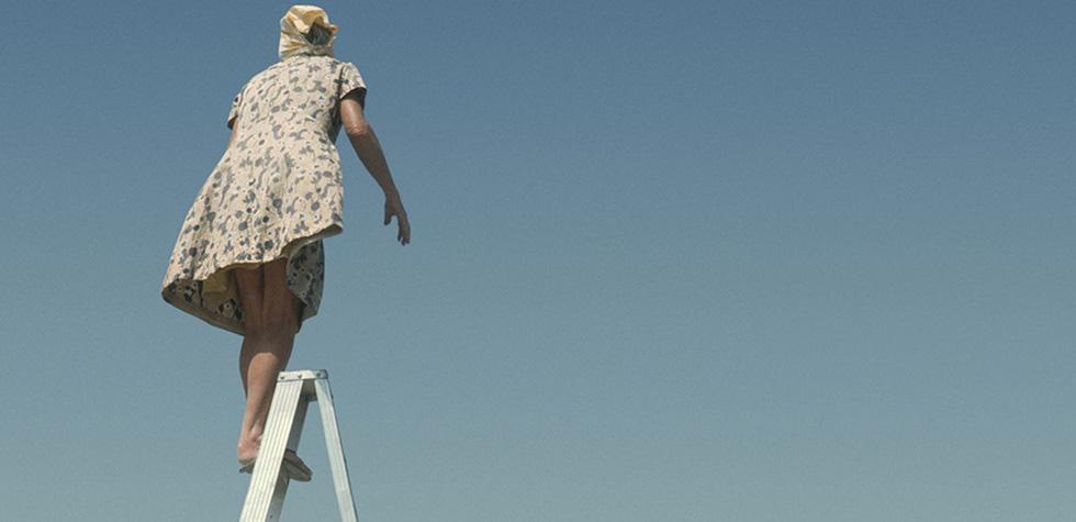 María Reiche es imagen de la Bienal de Venecia