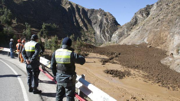 La Libertad: derrumbe de cerro sepulta a seis mineros