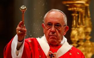 """El Papa recuerda a obispos que """"muchas costumbres"""" han cambiado"""