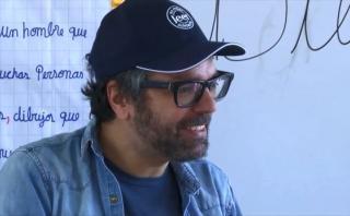 Liniers: así fue su visita a la escuela Javier Pérez de Cuéllar