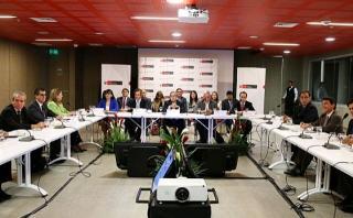 Equipos de FP y PPK presentaron propuestas en sector Educación