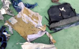 EgyptAir: Las primeras imágenes de los restos del avión [VIDEO]