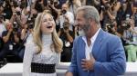 Festival de Cannes: Mel Gibson sorprende al bailar con actriz - Noticias de festival de cannes