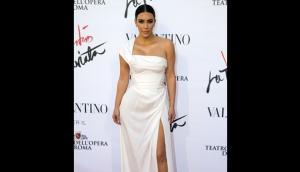 Kim Kardashian sufrió accidente por ceñido vestido