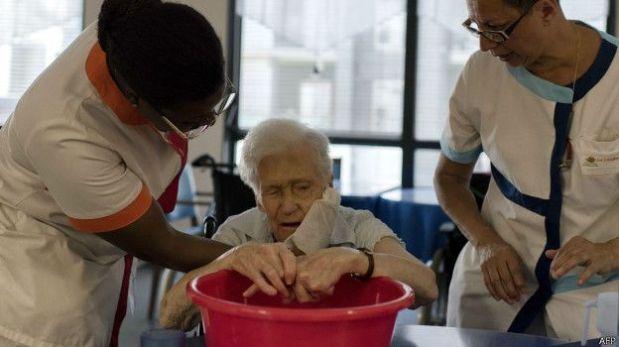 Las personas mayores son muy vulnerables al calor extremo. (Foto: AFP)