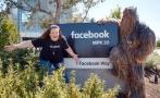 Facebook premió a la 'mamá Chewbacca' y la llevó a su centro