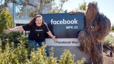 Facebook premió a 'mujer Chewbacca' y la llevó a sus oficinas