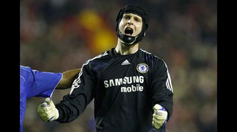 Petr Cech. Mourinho lo llevó al Chelsea y fue el portero titular del equipo. (Foto: Reuters)