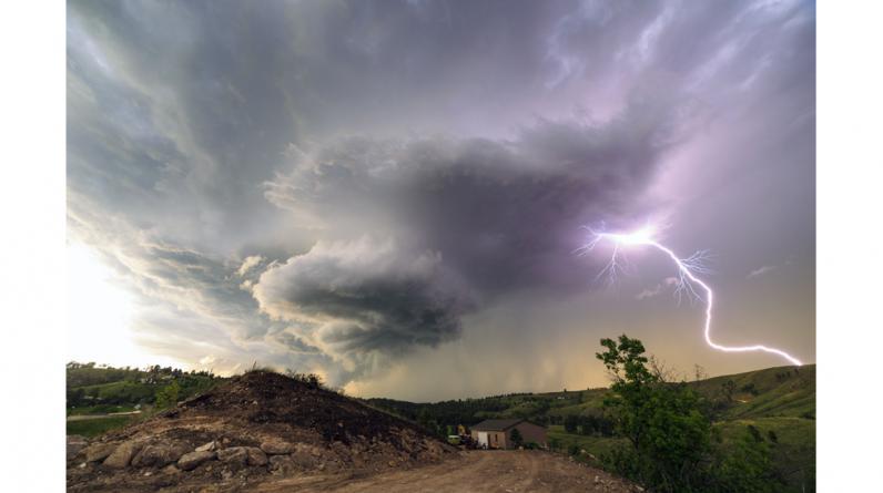 Marko Korosec, un fotógrafo aficionado originario de Sezana, Eslovenia, ha documentado una impresionante serie de tormentas de supercélulas en el famoso 'callejón de tornados' en el medio oeste de Estados Unidos. Fotos: Marko Korosec