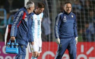 Lionel Messi mejora pero sigue con dolor y reposo en Argentina