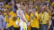 """Curry y dos canastas por las que es llamado """"dios"""" del básquet"""