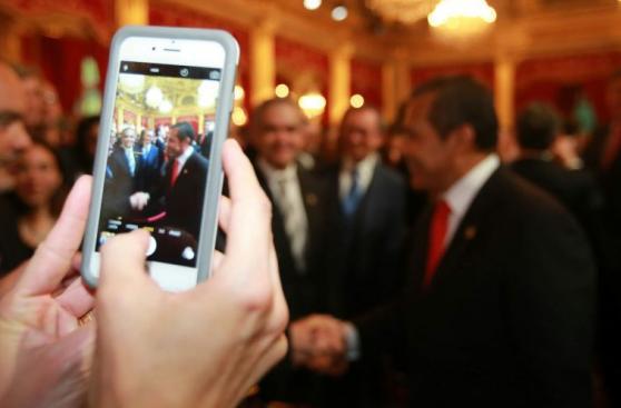 Ollanta Humala y Francois Hollande se reunieron en Francia