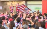 Atlético de Madrid: aficionados entonan cánticos hacia Juanfran