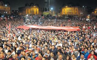 Marcha contra Keiko culminó con mitin en la plaza Dos de Mayo