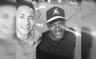 Neymar se tomó selfie con Michael Jordan y lucirá sus chimpunes