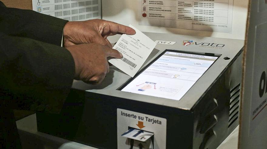 La plataforma de voto electrónico debe emitir una especie de voucher luego del sufragio. (Foto: El Comercio)